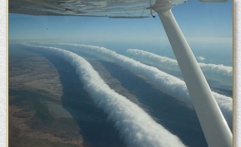 Chemtrail Pilots SPRAYING BLOOD Cause Face to Face Near Mid-Air Collisions !!!